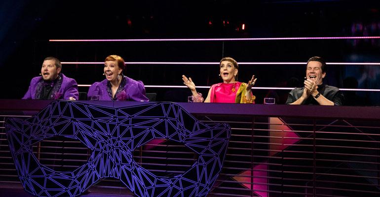 masked singer panelistit yllättyneinä