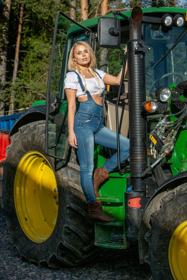 Katariina on kotoisin maatilalta.