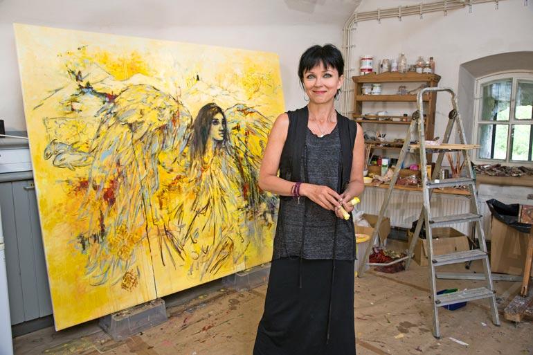 Taiteilija Katariina Souri on yksi lukuisista suomalaiskaunottarista, jotka ovat olleet osallisina Nygårdin juhliin. Kohun alettua Kata kertoi epämiellyttävästä kokeemuksestaan julkisuudessa.