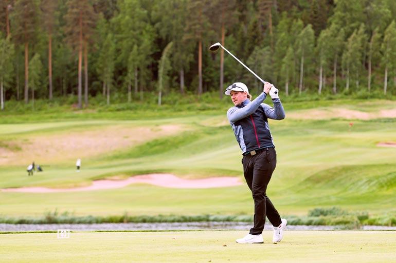 NHL-tähteyden lisäksi Sami on myös kivenkova golffari, sillä tasoitus on rautainen 2,3. – Olen käynyt pelaamassa US Openin kenttiä. Lempikenttäni on Richwood Country Club täällä New Jerseyssä.