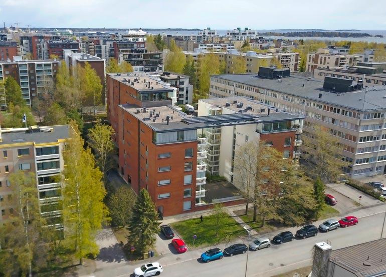 Niklaksen asunto on modernin kerrostalon suurin ja kallein huoneisto.