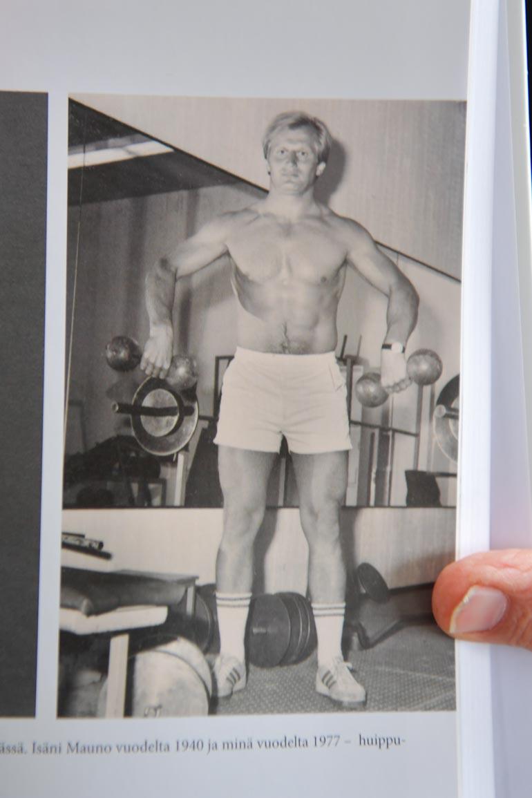 Juhani Tamminen oli vuonna 1977 timanttisessa tikissä.  – Nostin kuvan aikoihin penkistä 150 kiloa. Tehkääpä veljet perässä!