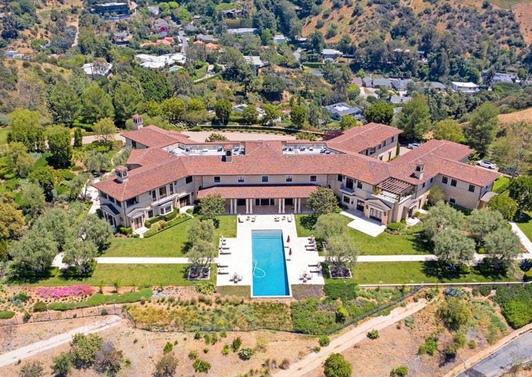 Valtava talo oli pitkään tyhjillään, kunnes Oprah vinkkasi siitä ystävilleen Meghanille ja Harrylle.
