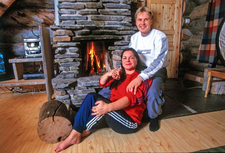Jarmo Tapolalla oli osuutta siihen, että sukuun tuli kohuvävy Matti Nykänen ja avioitui Mervi Tapolan kanssa.
