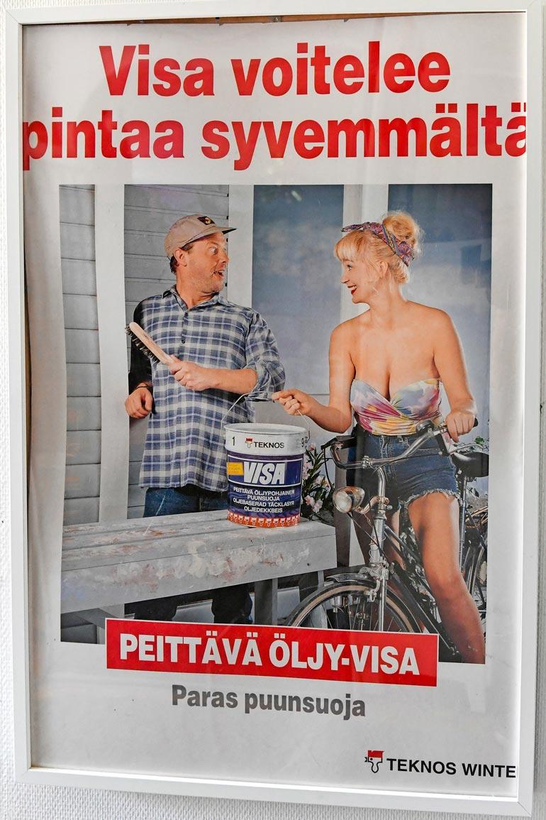 Itseironiaa löytyy niin Panu-mainoksista kuin niiden mallilta. Kuva on Anne Marien säästämästä 1990-luvun alun mainoksesta.