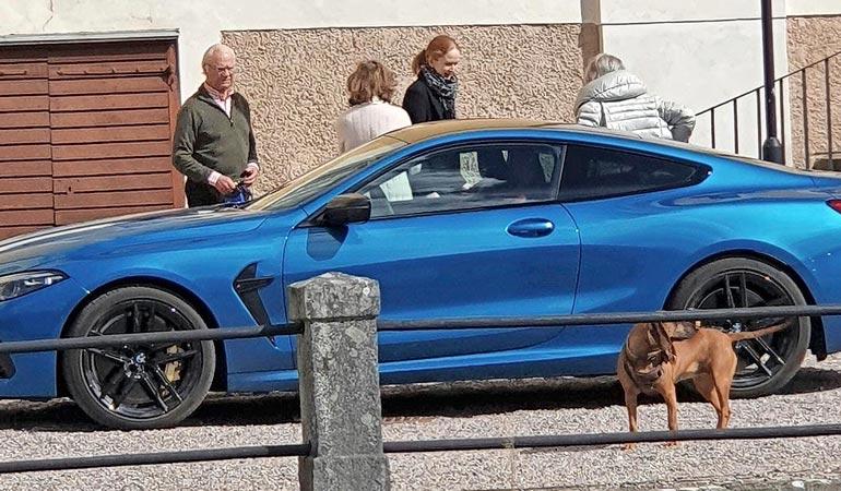 Kuningas antoi itselleen synttärilahjaksi upouuden BMW M8 Competition Coupén, joka Suomessa maksaisi 285 000 euroa.