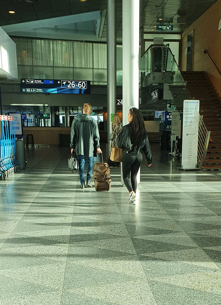 Sofia ja Stefu lentokentällä