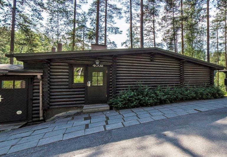 Martinalla ja Krisillä oli yhteinen mökki Vierumäen-lomallaan.