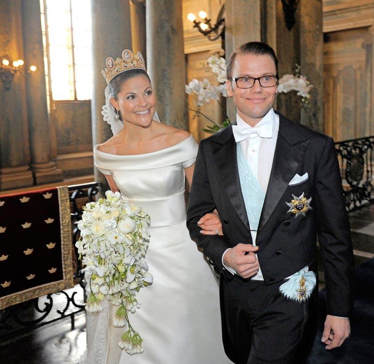 Victorian kameekoruin somistettu kruunu nähtäneen aikanaan Estelle-tyttären päässä, jos tämä menee naimisiin.