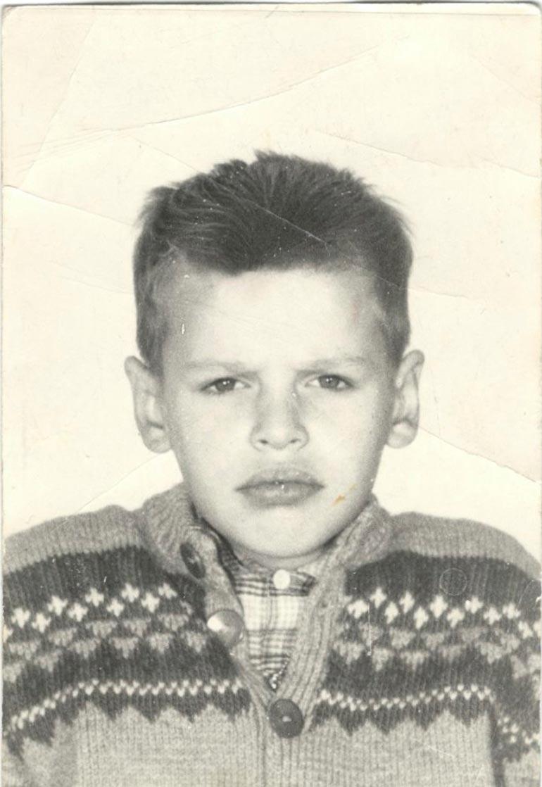 Jorma oli tiukkailmeinen nuori mies jo 11-vuotiaana.
