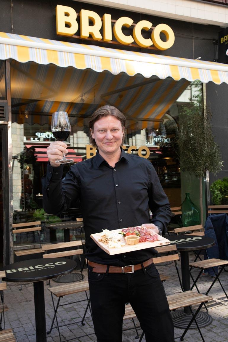 – Olen saanut valtavasti palautetta, että vitsi kun tällainen ravintola olisi Turussa ja Tampereella. Saa nähdä, mahdollisesti tulevaisuudessa.