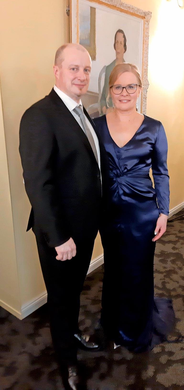 Pariskunta ei peitellyt onneaan vuonna 2019 Sauli Niinistön isännöimällä Itsenäisyyspäivän vastaanotolla.