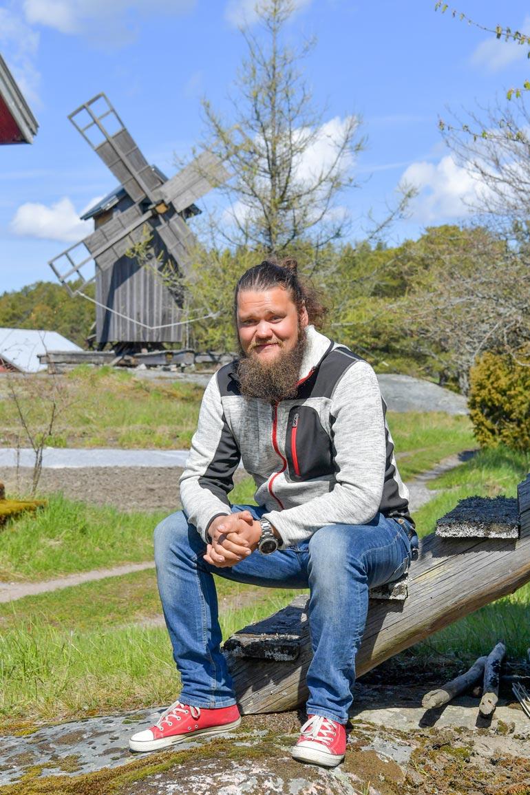 Lauri tuli tv-katsojille tutuksi viime syksynä nähdyssä Maajussille morsian -ohjelmassa. Vaimoketta ei ohjelman kautta löytynyt.