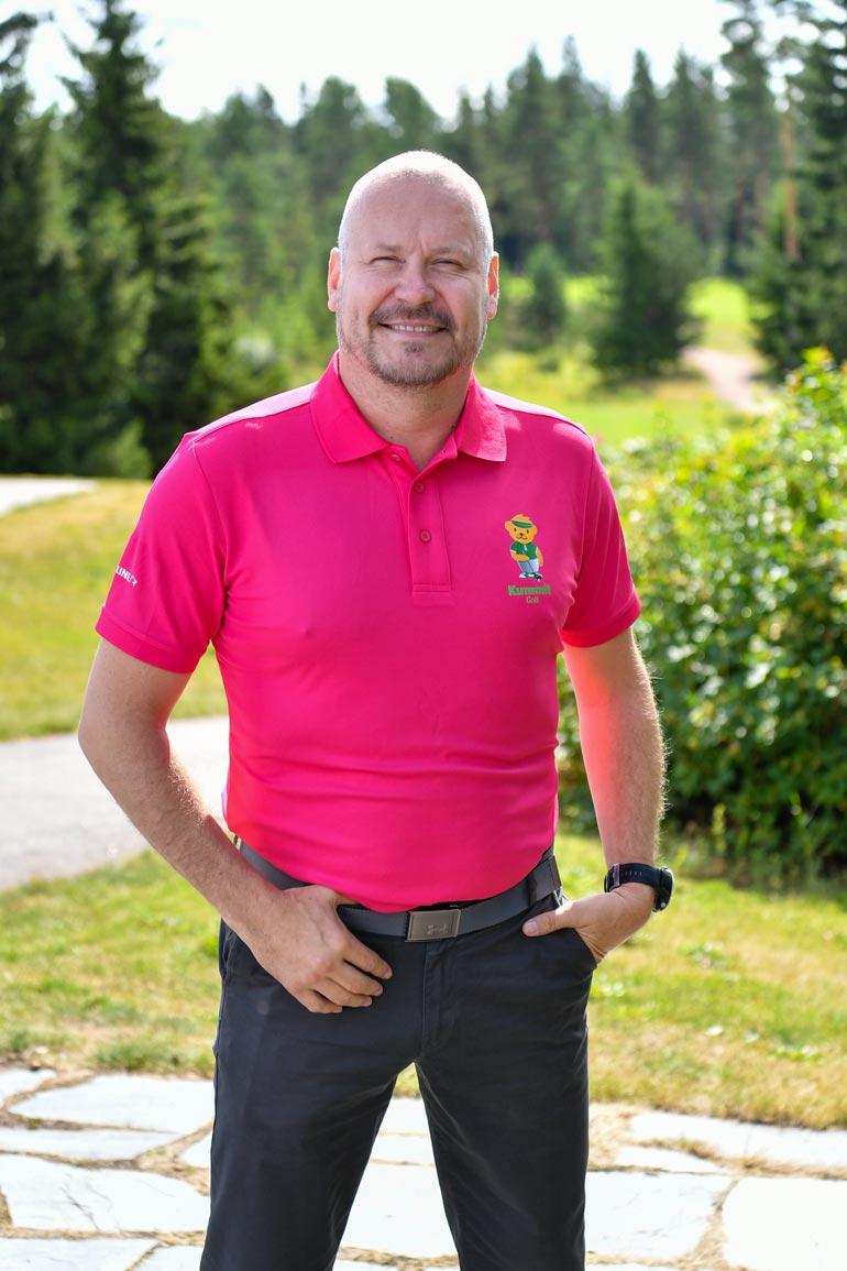 Janne Virtanen on nähty useita kertoja läheisissä tunnelmissa vaaleahiuksisen naisen kanssa.