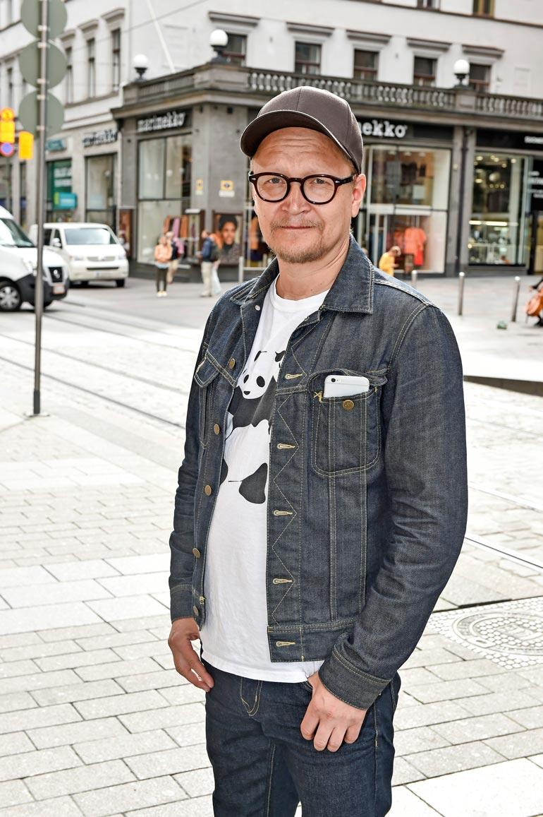 Seiskan reportterin kanssa jutellessaan Janne päätti pienen epäröinnin jälkeen vaieta yksityiselämästään.
