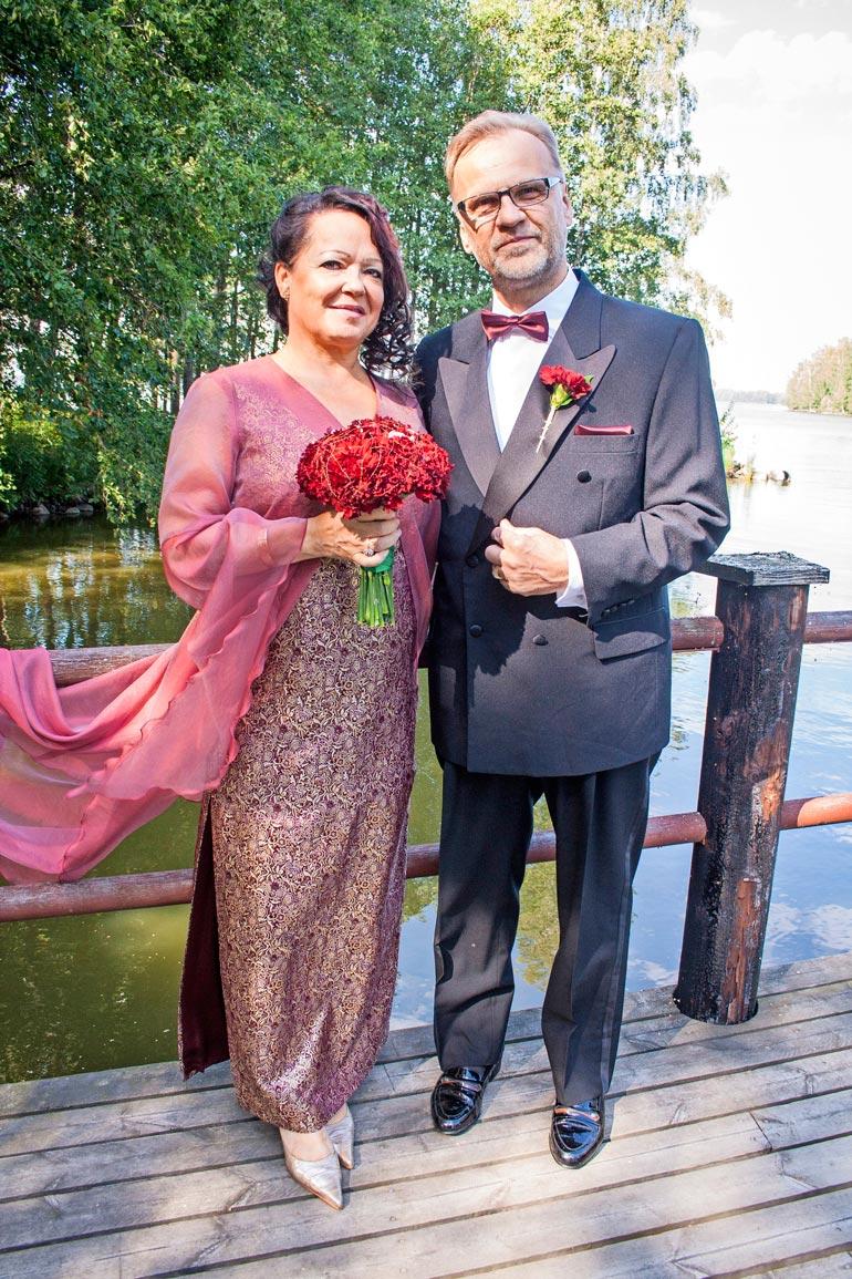 Raija ja hänen edesmennyt miehensä Lasse Finska olivat tavatessaan yli 50-vuotiaita.