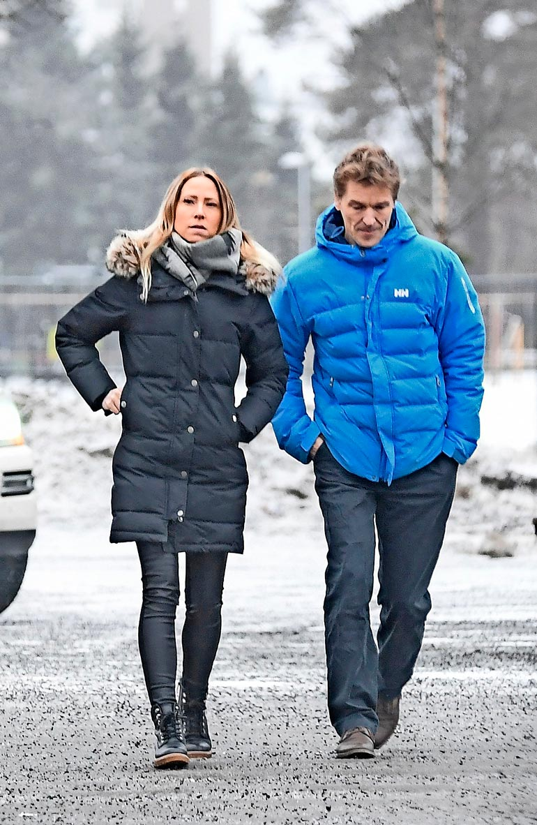 Toni Niemisellä on kaikkiaan neljä lasta. Viidennen synnyttää lyhytaikainen oululainen tyttöystävä Ansku loppuvuodesta. –  Vauva ei muuta nykyistä elämääni mitenkään.