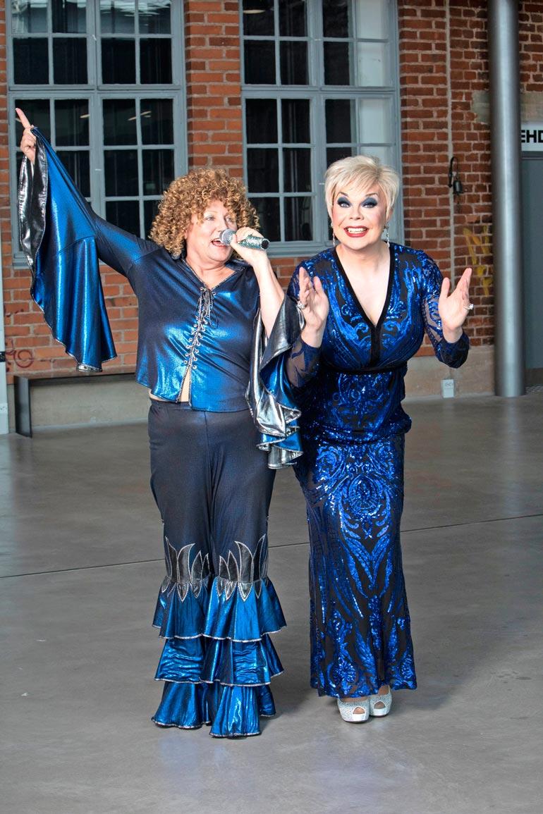 Uusi superduo! Katri Helena ja Abban Anni-Frid lyöttäytyvät yhteen Porvoossa.