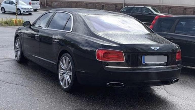 Jetin kiesi on vuoden 2014 käsintehty Bentley Flying Spur W12.