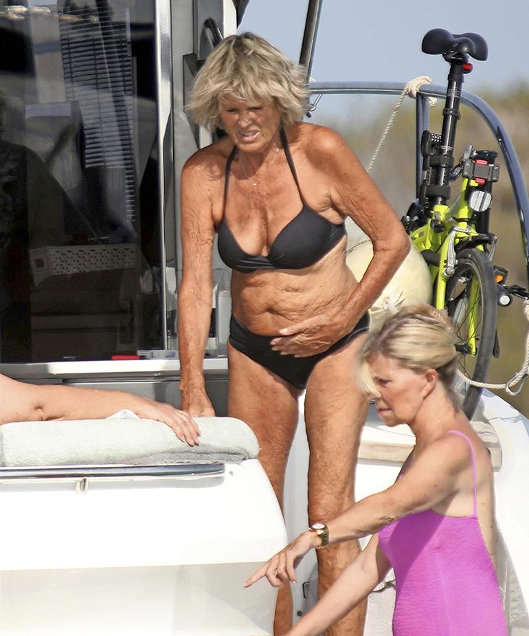 Myös Keken saksalainen Sina-vaimo uskaltautui Välimeren aaltoihin. Välillä oli hyvä käyskennellä myös ökyjahdin aurinkokannella.