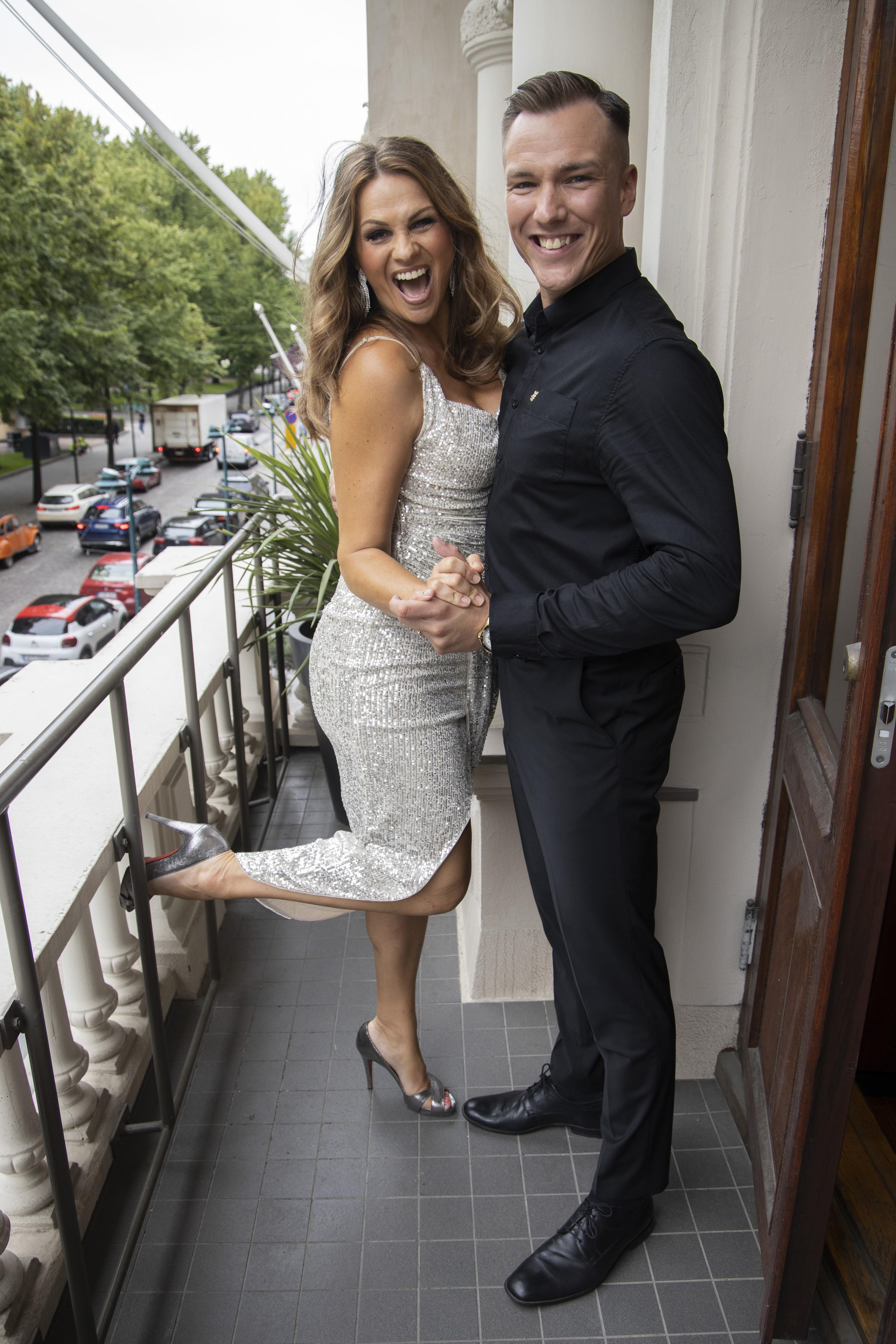 Janina Fry ja Anssi Heikkilä muodostavat näyttävän parin syksyn Tanssii tähtien kanssa -viihdespektaakkelissa.