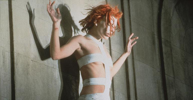 Milla Jovovich The Fifth Element- Puuttuva tekijä -elokuvassa.