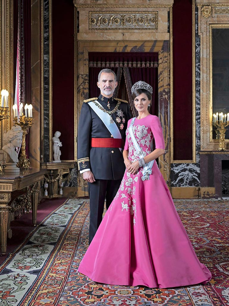 Ex-kuninkaan maanpaon väitetään olevan kuningatar Letizian päätös, jonka Felipe sitten vastentahtoisesti toteutti.