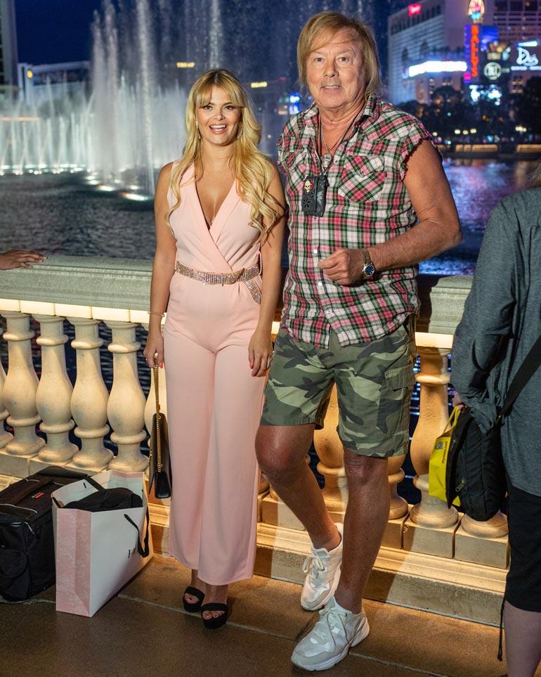 Erikan ja Dannyn suhde kesti vajaat viisi vuotta. Keväällä 2019 kyyhkyläiset poseerasivat Seiskan juttumatkalla Las Vegasin neonvalojen loisteessa.
