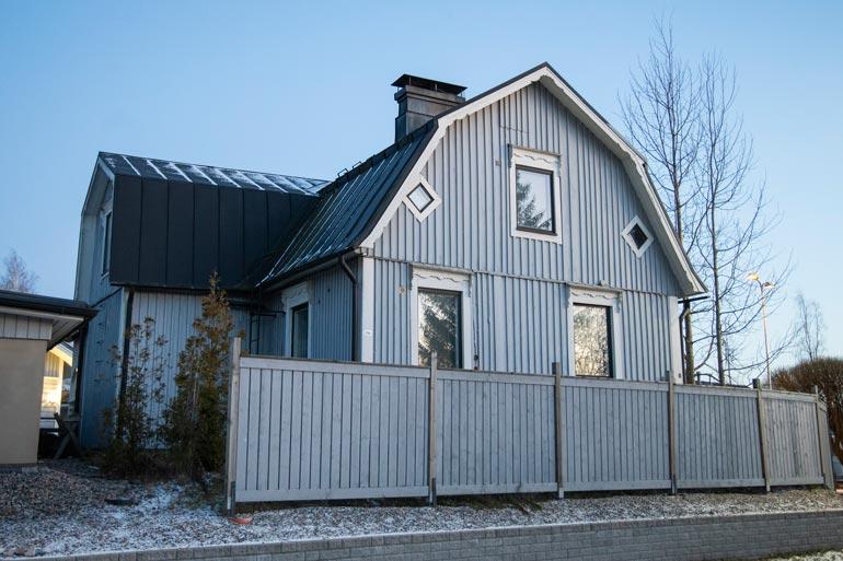 Amadeuksen talo on yhä myymättä.