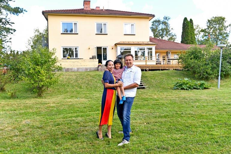 Pekka ja amerikkalainen Feifei ovat olleet naimisissa vuodesta 2014. Heidän neljävuotias tyttärensä Catalina puhuu kolmea kieltä: englantia, suomea ja kiinaa.
