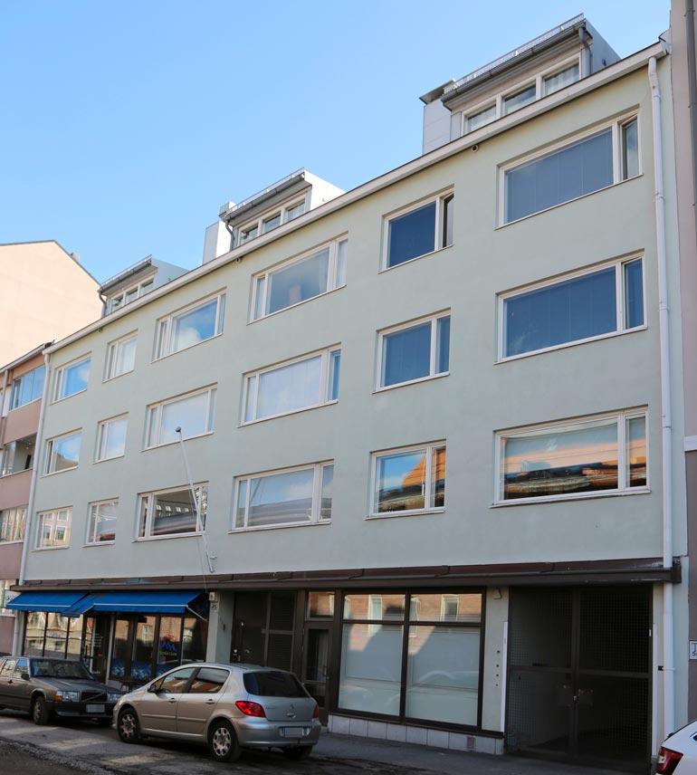 Sara osti loppukesästä uuden kodin, joka sijaitsee Helsingissä keskellä pian alkavaa rakennustyömaata.