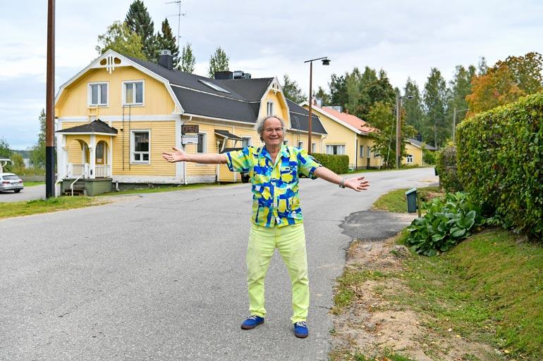 """Paluu kotiseudulle! Erkki """"Eki"""" Mikkonen osti Saimaan rannalta kiinteistön ja perusti Art Deco Hotel & Restaurantin Sulkavalle."""