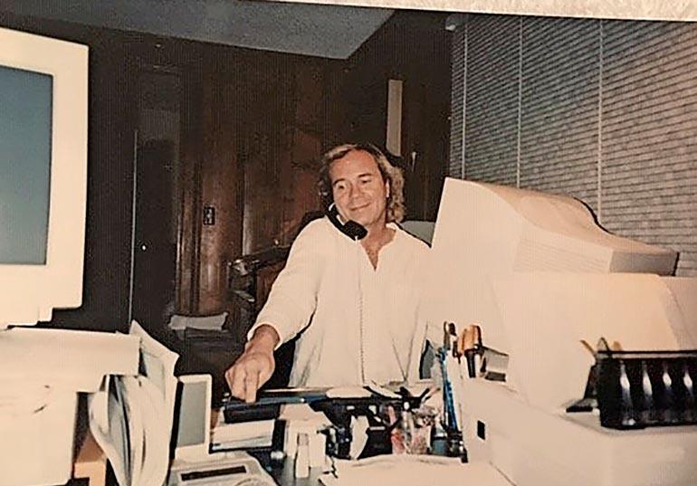 Beverly Hillsin kotitoimistossa 90-luvulla. Eki ja Lissu omistivat hienon omakoti- talon Los Angelesissa.