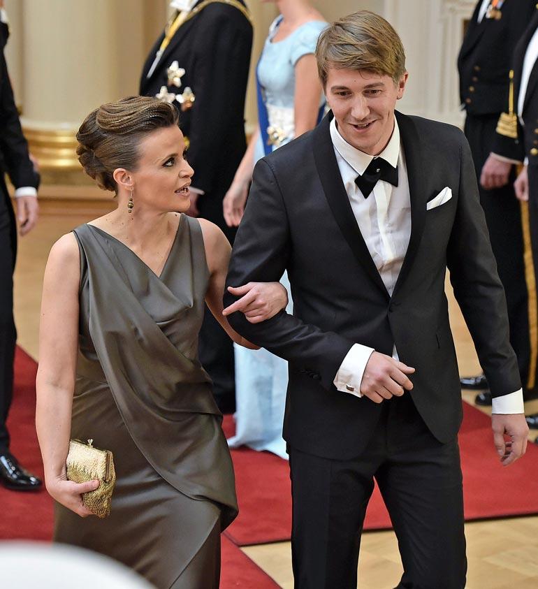 Jussi esiintyy julkisuudessa harvoin yhdessä puolisonsa Marika Tuhkalan kanssa. Pari edusti kuitenkin Itsenäisyyspäivän juhlissa vuonna 2014.