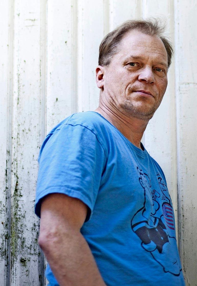 Ari-Kyösti Seppo on näytellyt niin television kuin teatterin puolella. Seppo oli mukana myös suositussa Sorjonen- rikosdraamasarjassa, joka on myyty yli 180 maahan.