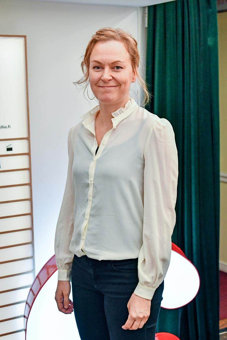 Miikan vaimo on ohjaaja-käsikirjoittaja Paula Korva.