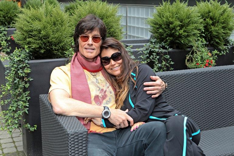 """Ronn """"Ridge"""" Moss ja entinen mallikaunotar Devin DeVasquez asuvat puolet vuodesta Italiassa. Suomessa he vierailivat elokuussa 2013."""