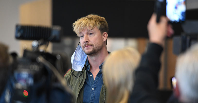 Samu Haber Helsingin Kärjäoikeudessa kuva Panu Hörkkö