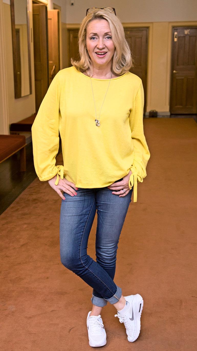 Katariina on tunnettu näyttelijä, joka on näytellyt lukuisissa elokuvissa ja teatteriesityksissä.