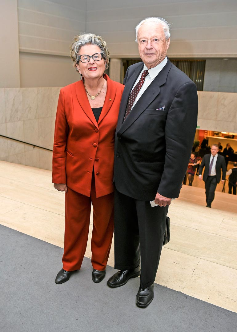 Riitta ja Topi tapasivat jo kouluaikoinaan. He ovat olleet naimisissa yli 50 vuotta.