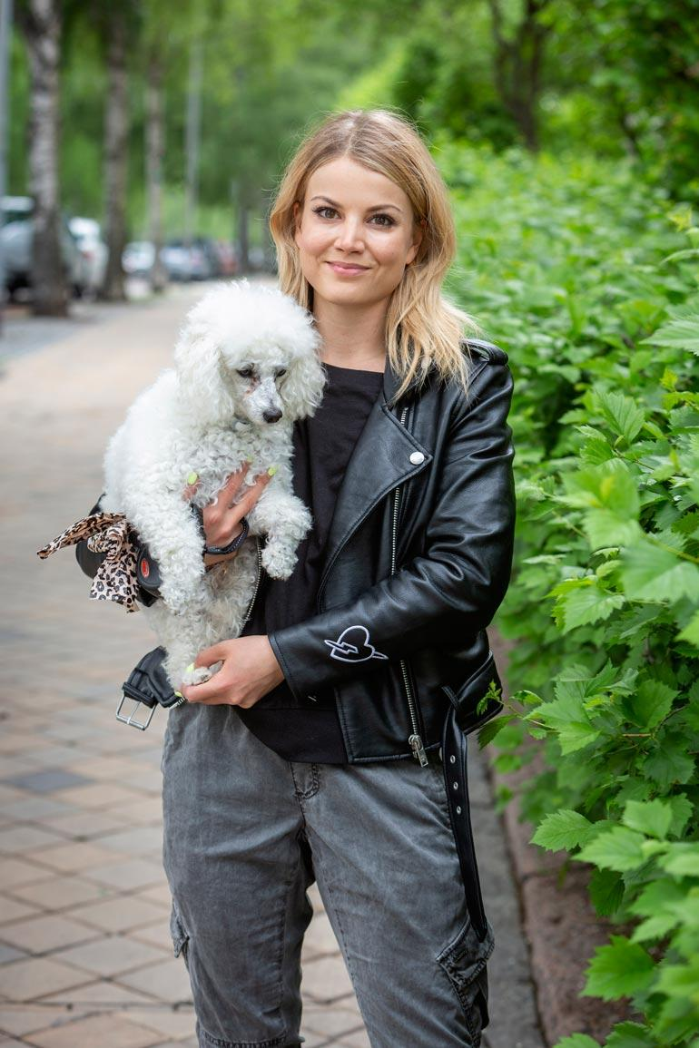 Janni Hussi ja Harri-koira