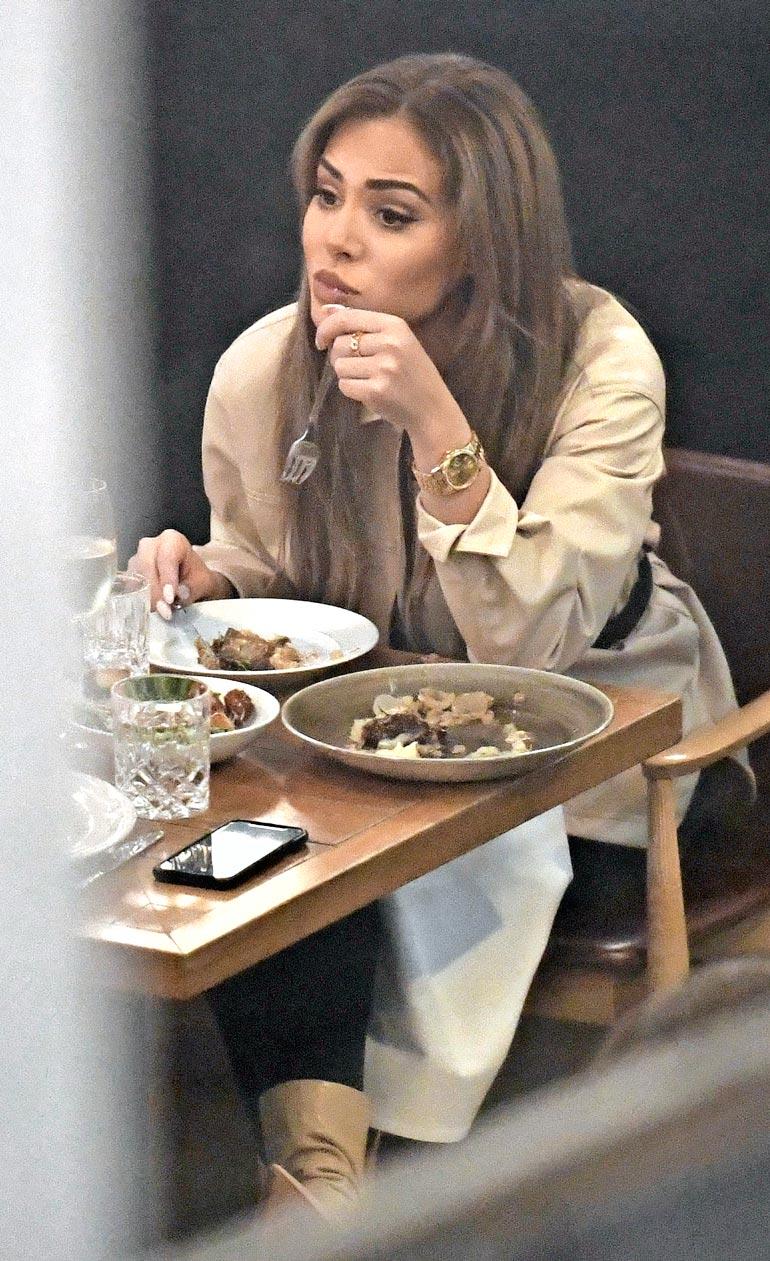 Viime lauantaina Sofia illasti Helsingissä ravintola Brondassa. Ranteessa hänellä oli yhä Stefun ostama kallis Rolex.
