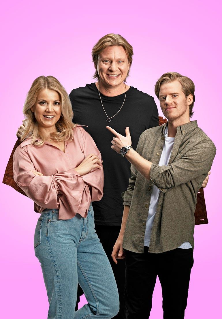 Radio Suomipopin Aamulypsy on vuodesta toiseen suosittu ja palkittu. Nyt tiimissä on Jaajon lisäksi Janni Hussi ja Tuukka Ritokoski.