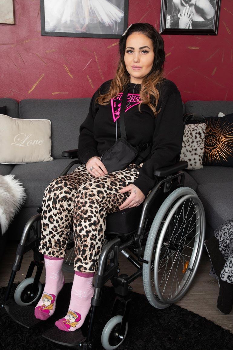 Janita Lukkariselle meni aiemmin kipupumpun kautta suoneen jatkuvasti morfiinia, joka sai hänet hyvin sekavaksi. Nyt tilalle on löydetty uusi kipulääkitys.