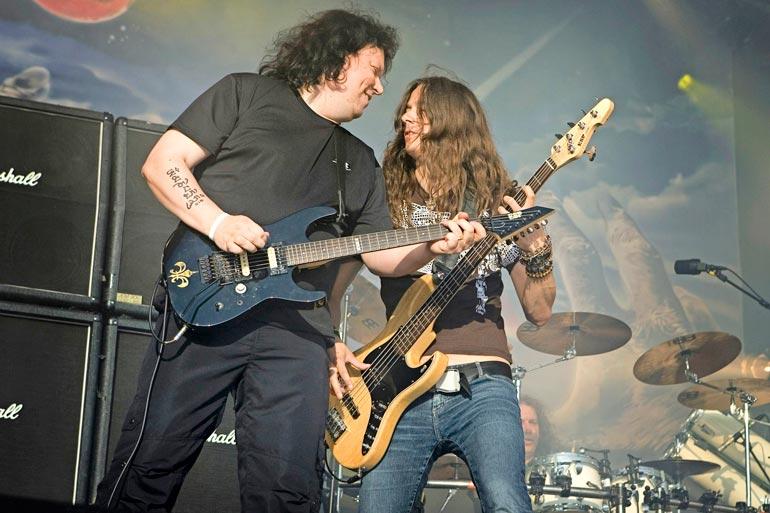 Timo soitti vielä vuonna 2007 Stratovarius-yhtyeessä. Kuvassa myös basisti Lauri Porra, joka ei liity Timon rikosepäilyyn.