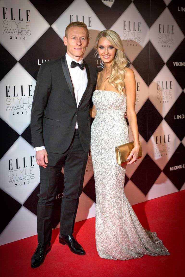 Ex-jalkapalloilija Mikael Forssell ja hänen Metti-vaimonsa tunnetaan Suomen Beckhameina.