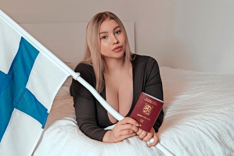 Pitkä odotus on vihdoin ohi: neiti Pozdniakova on nyt virallisesti suomalainen.  – Jääkiekossa kannatan aina Leijonia enkä Venäjää, kaksoiskansalainen vakuuttaa.