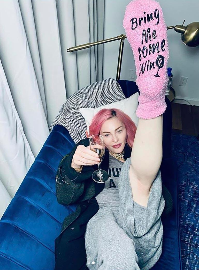 Madonna kohotteli sekä viinilasia että koipiaan seuratessaan maansa pressanvaalien ääntenlaskua.