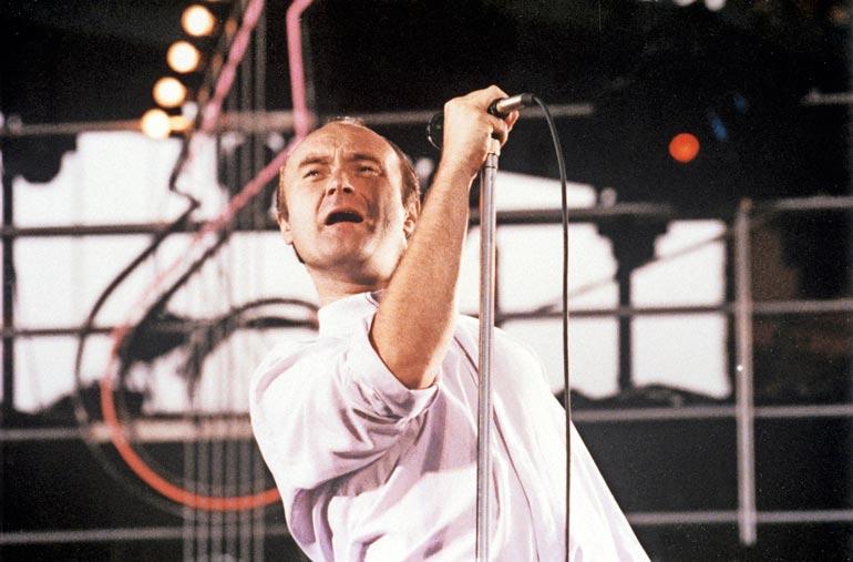 Phil Collins on uransa aikana myynyt yli 100 miljoonaa levyä.
