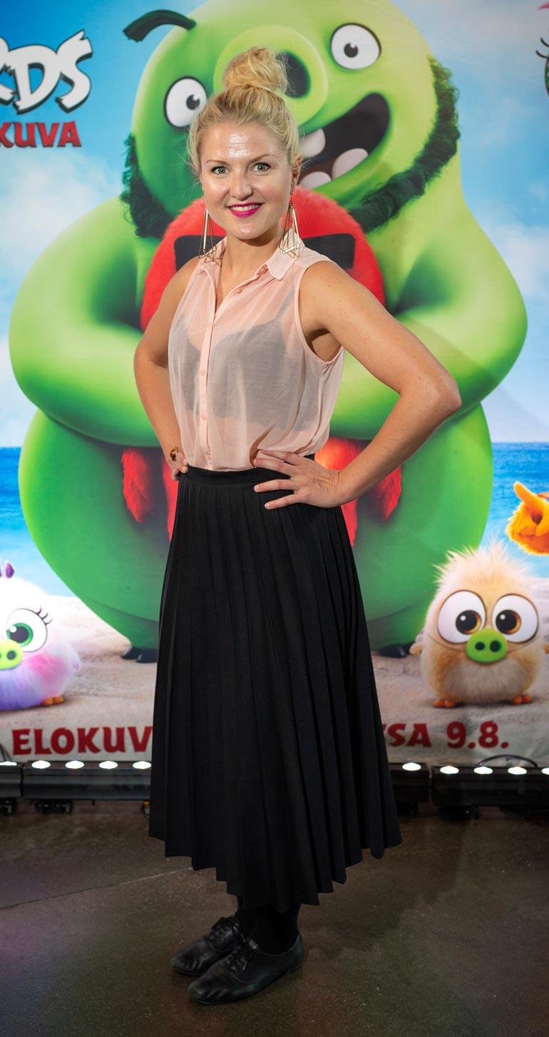 Roope on parisuhteessa näyttelijä Helmi-Leena Nummelan kanssa. Heidän esikoinen syntyi huhtikuussa.
